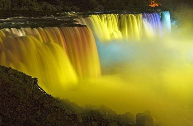 Золотой полдень на Ниагарском водопаде